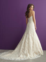 2952 Champagne/Ivory back