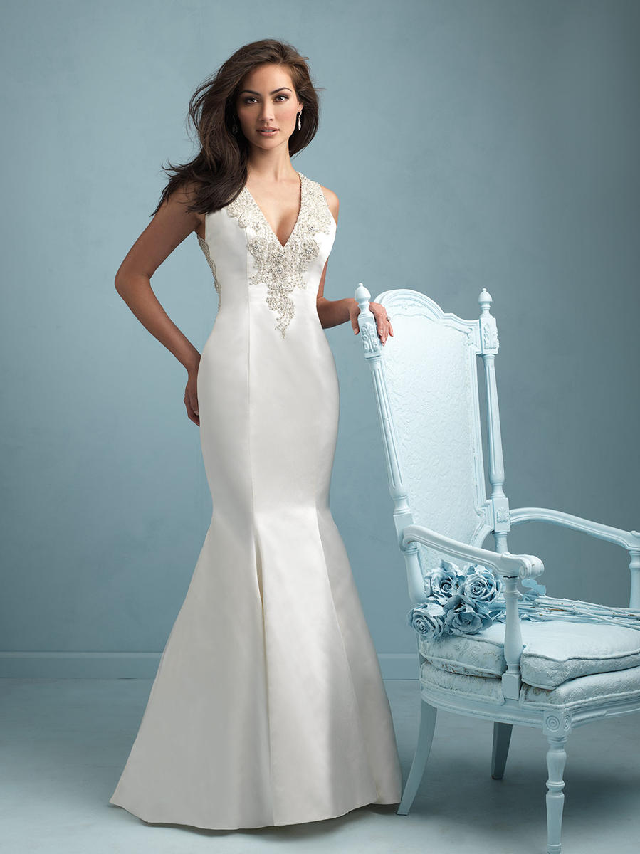 9219 Discontinued sample gown for sale