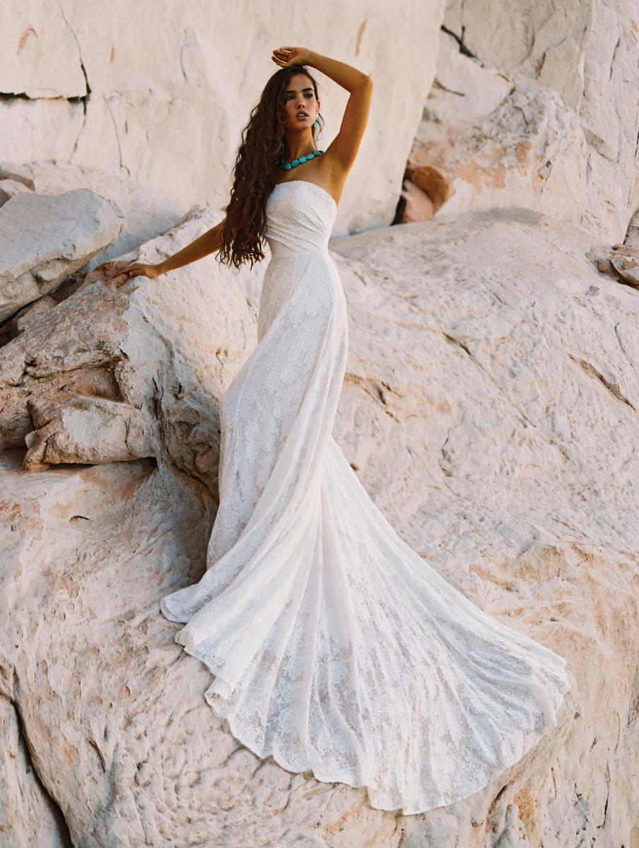 Wilderly Bride by Allure F186