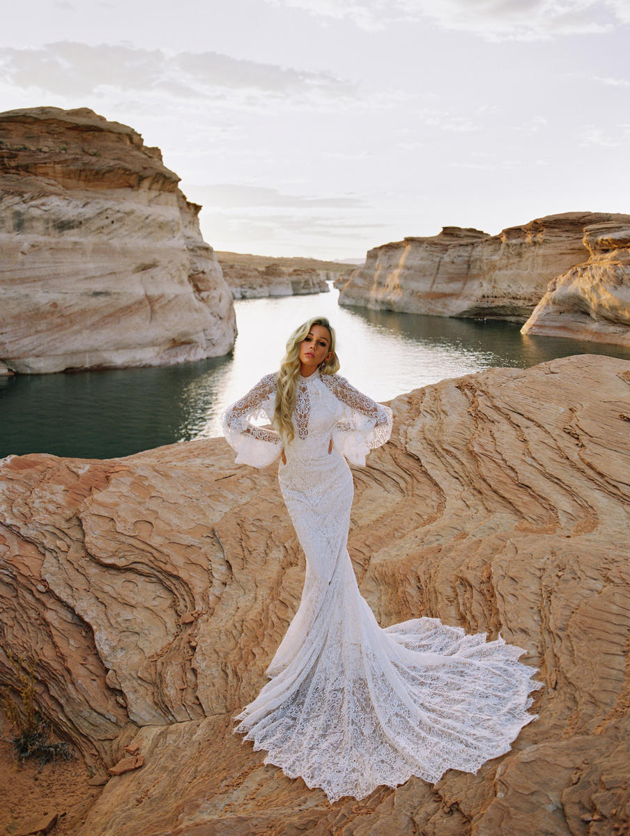 Wilderly Bride by Allure F192