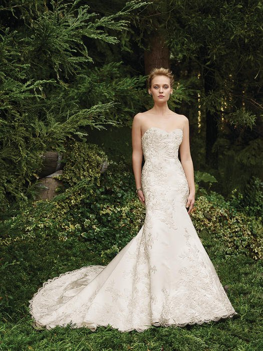 Thistle - Casablanca Bridal