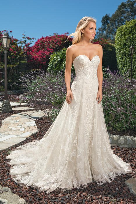 Casablanca - Strapless Sweetheart Lace Bridal Gown