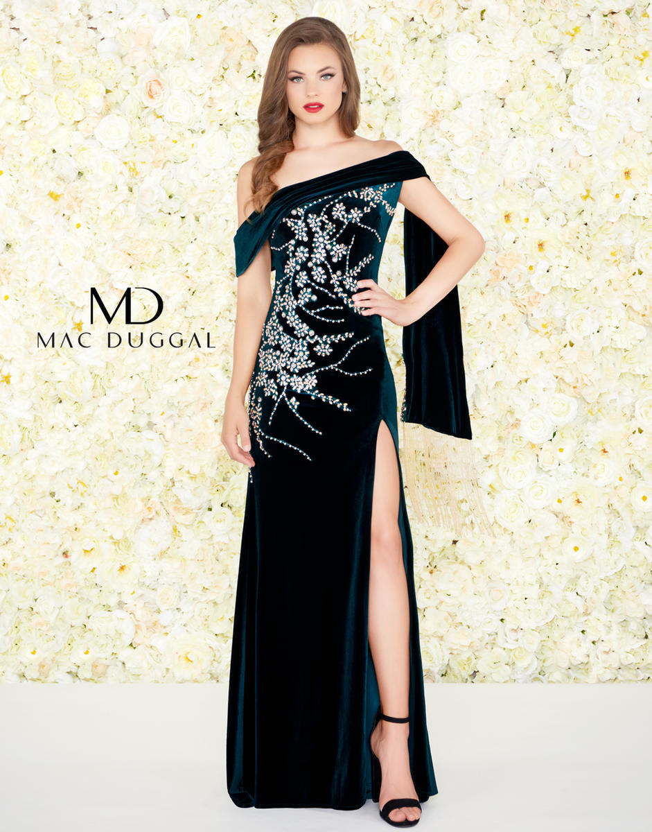 Black White Red by Mac Duggal 12186R