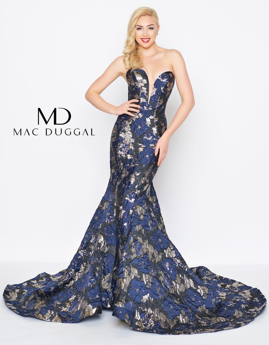 Black White Red by Mac Duggal 67675R