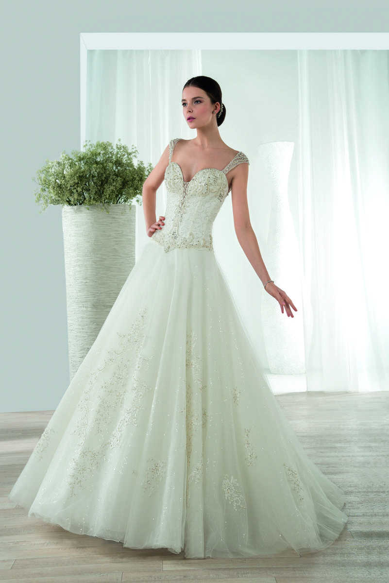 Demetrios Bridal 643DR