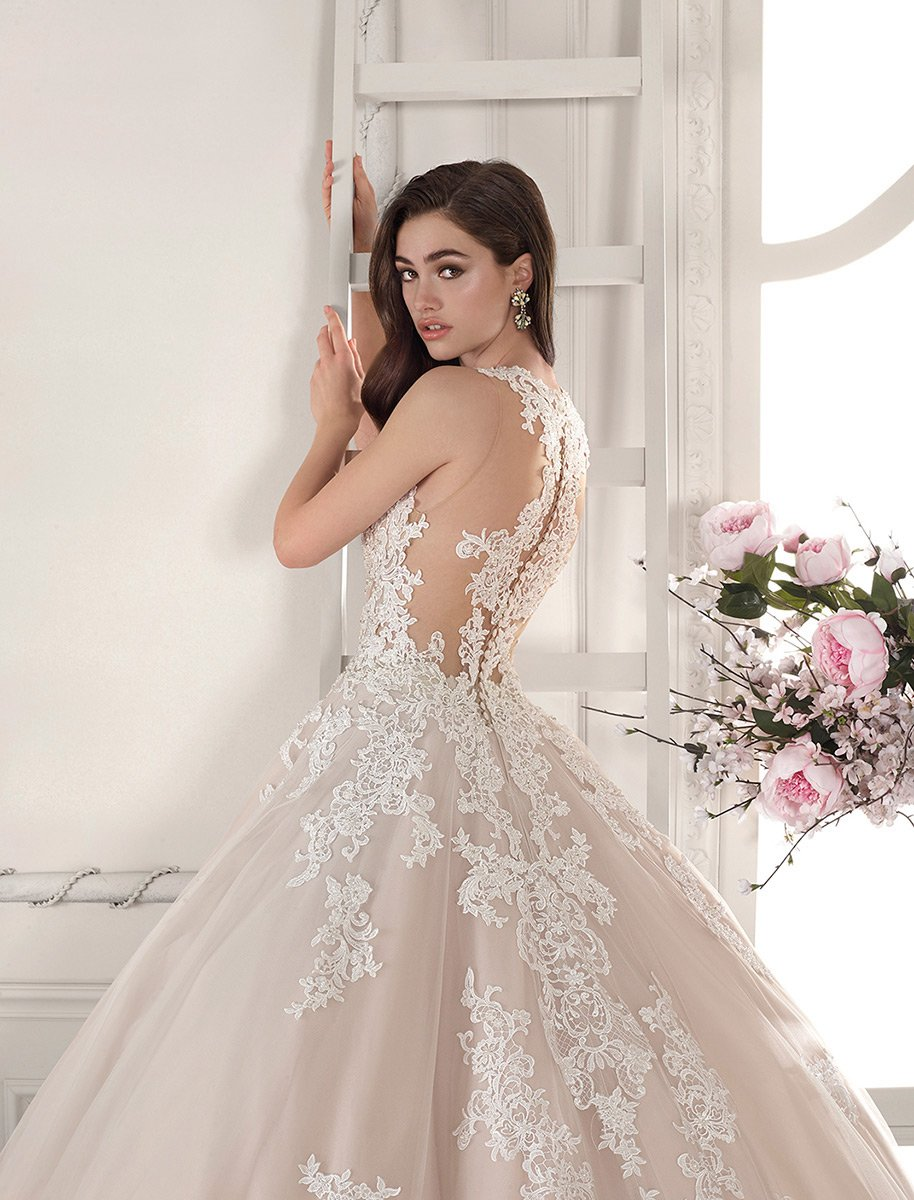 Demetrios Bridal 819