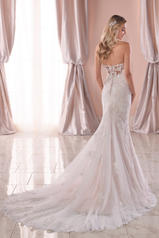 6814 Ivory Lace/Tulle/Moscato Gown/Ivory Tulle Illusion back