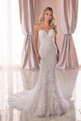 6814 Ivory Lace/Tulle/Moscato Gown/Ivory Tulle Illusion front