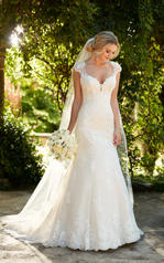 D2262 Tulle and Royal Organza over Ivory Gown with Porce front