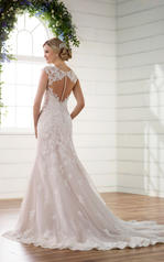 D2262 Tulle and Royal Organza over Ivory Gown with Porce back