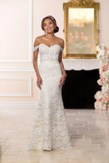 6595 Ivory Lace And Tulle Over Ivory Dolce Satin front