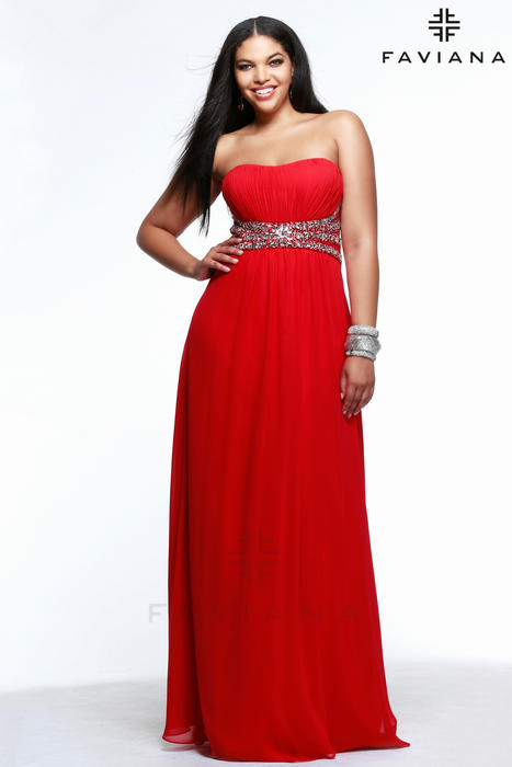 Faviana Plus sizes prom
