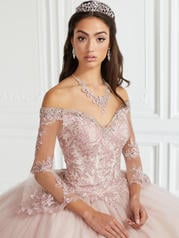 56385 Dusty Rose detail