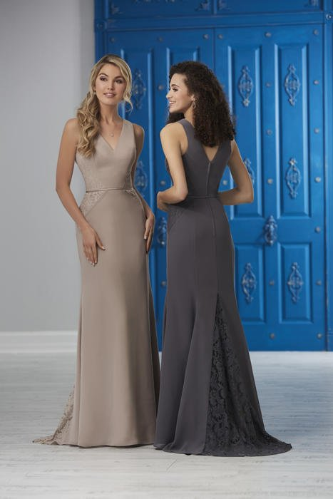 House of Wu - V-Neck Lace Train Bridesmaid Gown