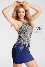 JVN55146 Royal front