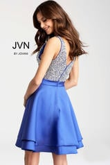 JVN54740 Royal back