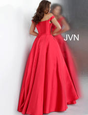 JVN62743 Red back