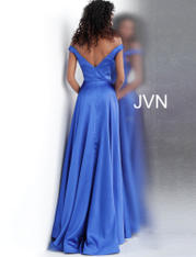 JVN67752 Royal back