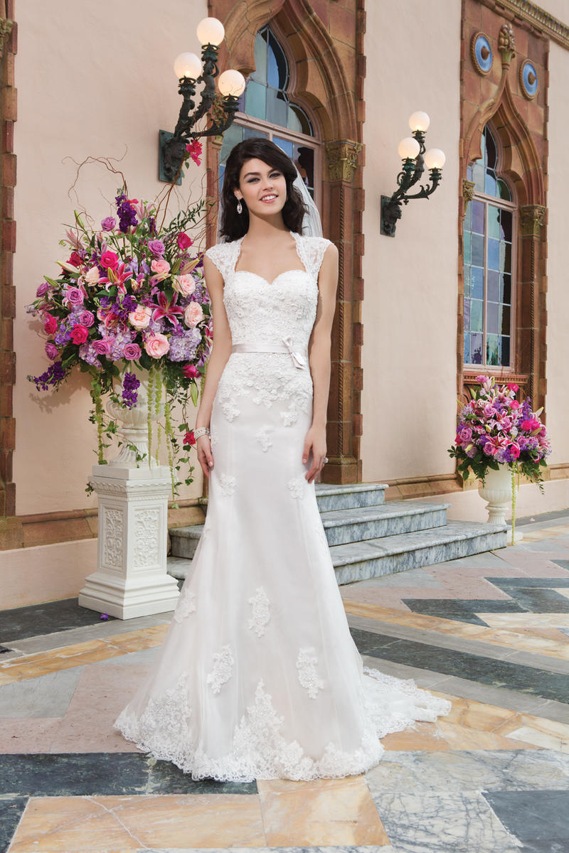 Sincerity Bridal 3821