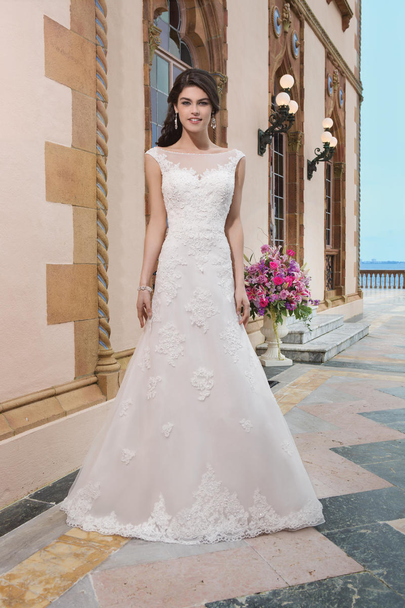 Sincerity Bridal 3822