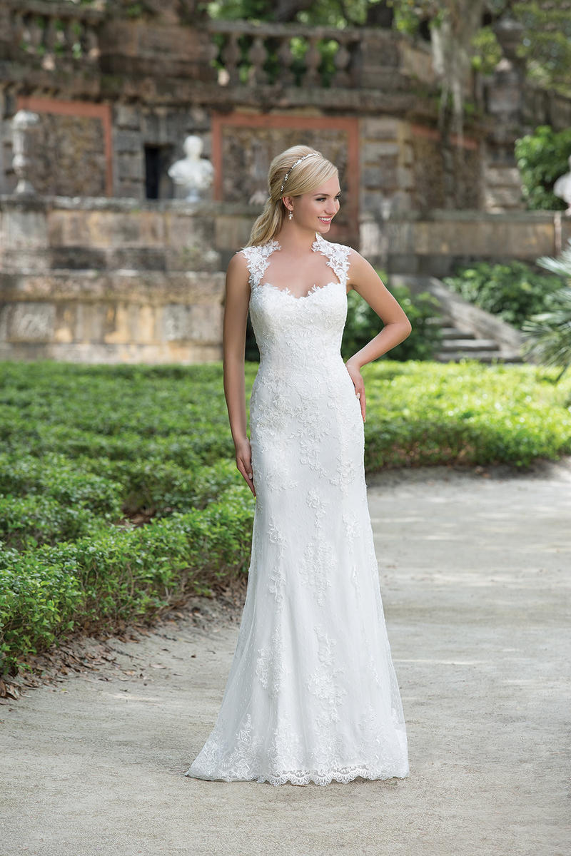 Sincerity Bridal 3885
