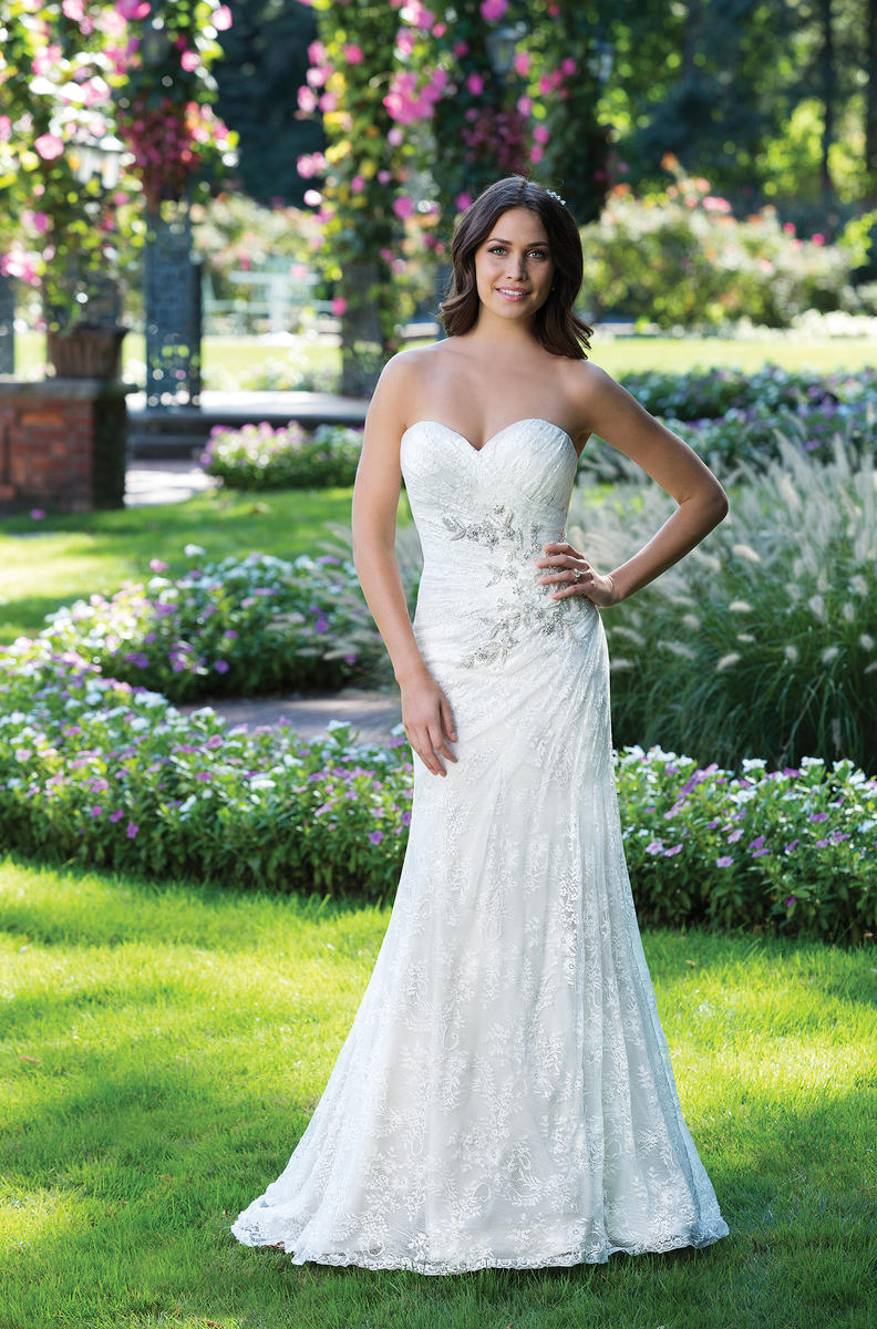 Sincerity Bridal 3925