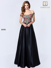 8193 Black Embroidery front