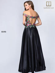 8193 Black Embroidery back
