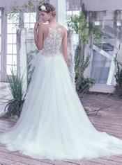 Lisette-6MC813 Ivory/Silver Accent back