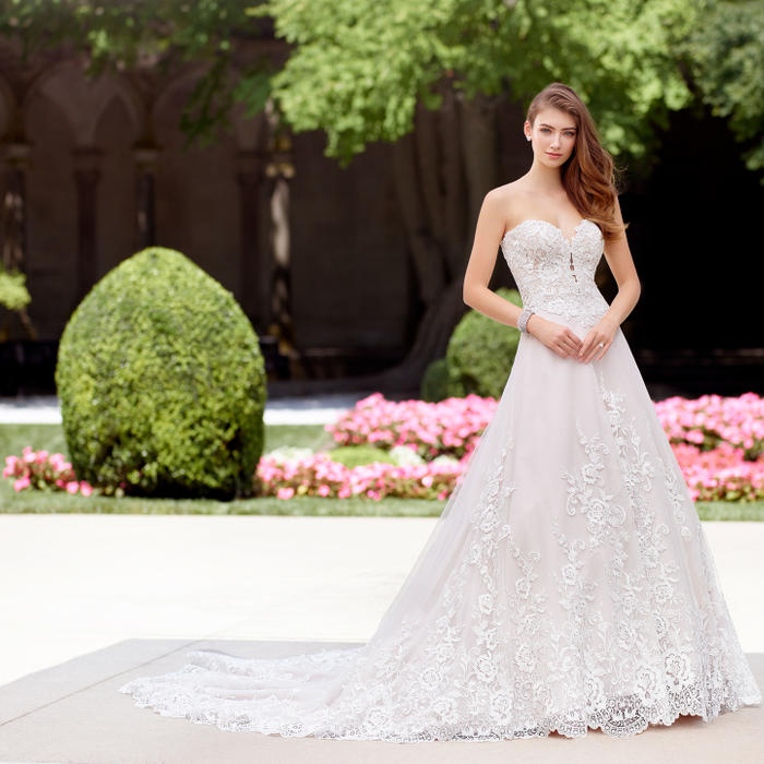 Madrigal-Martin Thornburg for Mon Cheri Bridal