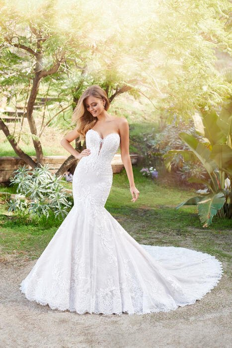 Solana-Martin Thornburg for Mon Cheri Bridal