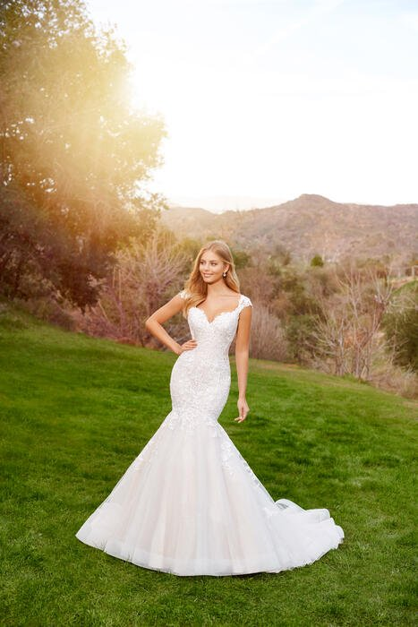 Belleau-Martin Thornburg for Mon Cheri Bridal