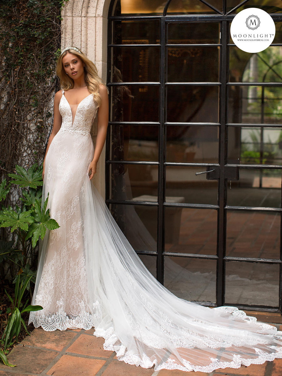 Moonlight Bridal Collection J6702