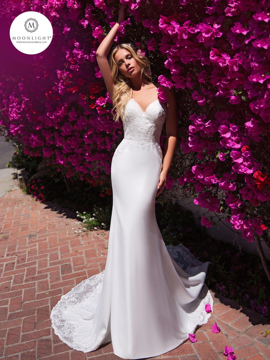Moonlight Bridal Collection J6706