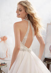 8119 Ivory/Champagne back