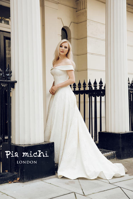 Pia Michi LONDON 1837
