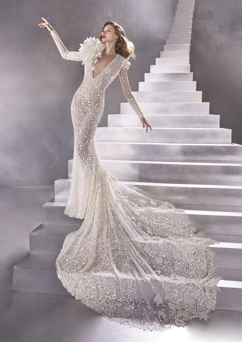 Pronovias Fashion EQUILIBRIUM